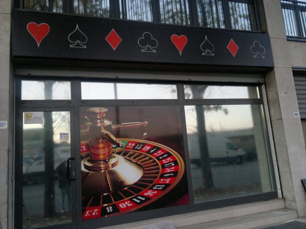 Casino Italia polepitev stekel.